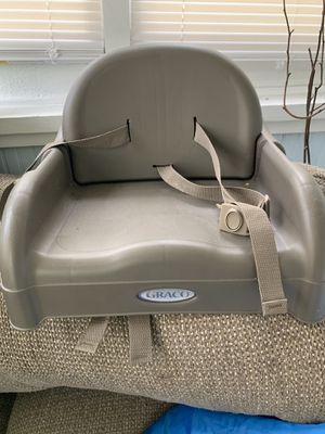 Graco adjustable booster seat for Sale in Springfield, MA