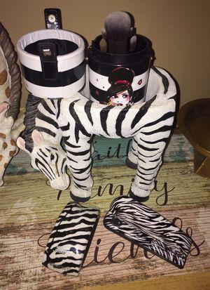Sephora makeup brush set &more🦓 for Sale in MIDDLEBRG HTS, OH