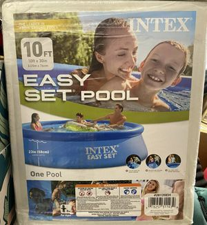 Intex 10x30 pool for Sale in DeForest, WI