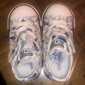 Shark Converse Size 6 for Sale in Las Vegas, NV