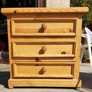 Small Dresser for Sale in Clovis, CA
