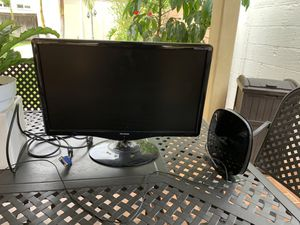 "ViewSonic 15"" LED Computer Screen and Belkin WIFI Signal Extender, in Excellent Condition! for Sale in Los Angeles, CA"