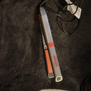 hair straightener for Sale in San Jose, CA