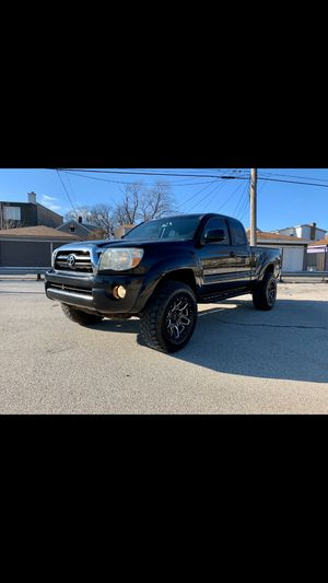 2005 toyota tacoma for Sale in Chicago, IL