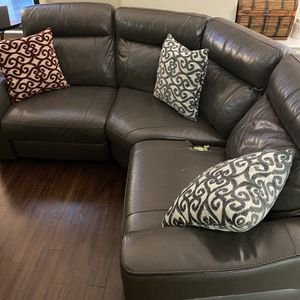 Leather Coach - Sectional - Genuine Leather. for Sale in Chicago, IL