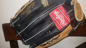 RAWLINGS baseball glove for Sale in Peabody, MA