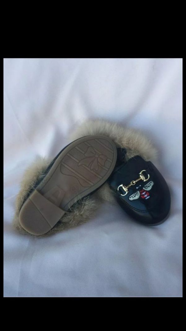 Kids Princetown Loafer With Fur And Bee Color Black Size 25(kids).. Unisex!! Great design,, Easy to pair with dresses,jeans or shorts.