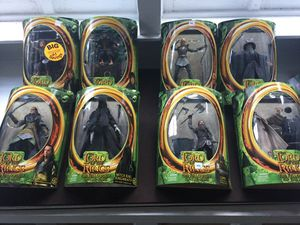 8-Toy biz lord of the rings action figures for Sale in NJ, US