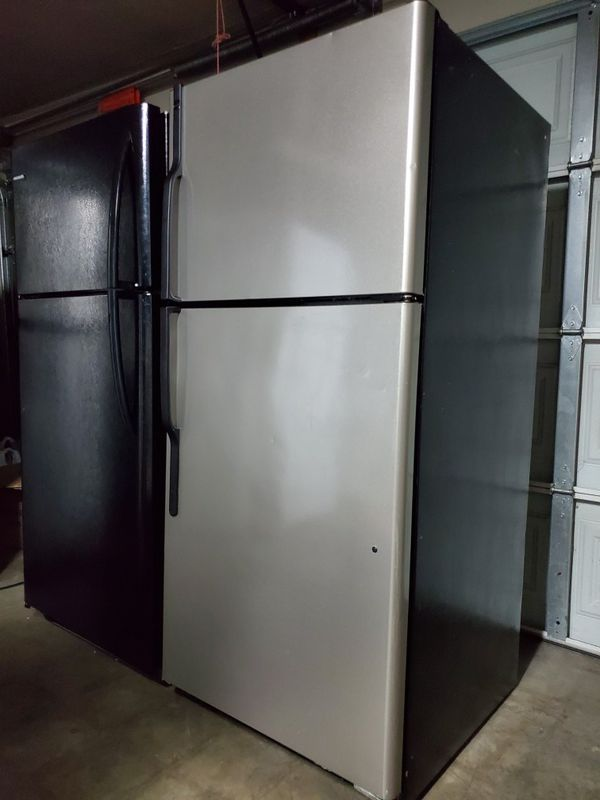 Hot Point Stainless Steel Top Freezer Refrigerator