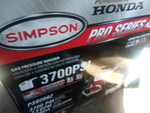 SIMPSON 3700 PSI PRESSURE WASHER,POWERED BY HONDA .PRO SERIES for Sale in Killeen, TX