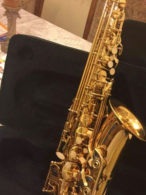 Fever alto saxophone with case mouthpiece neck strap cleaning cloth and gloves for Sale in Lynwood, CA
