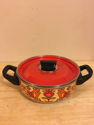Vintage double ear enamel pot with lid for Sale in Livonia, MI