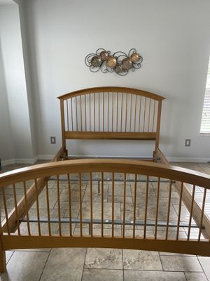 Full bed frame for Sale in Orlando, FL