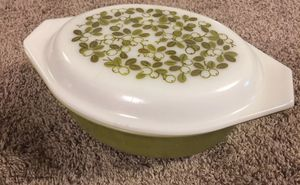 Pyrex verde Dutch oven vintage milk glass for Sale in Winter Park, FL