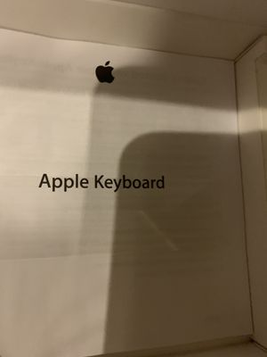 Apple key board for Sale in Queens, NY