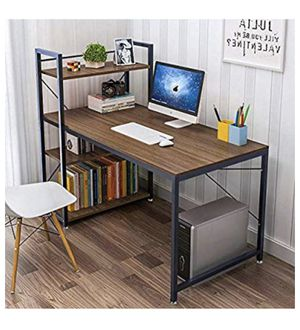 Computer desk for Sale in Rowland Heights, CA