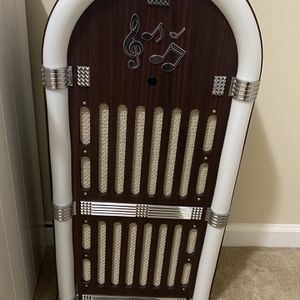 Bluetooth Jukebox That Lights Up for Sale in Lexington, SC