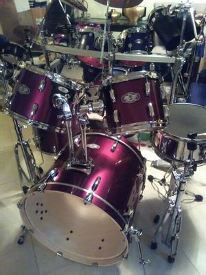 PEARL VISION SST 5PC MAROON RED DRUM SET (BIRCH) RARE! for Sale in Clinton, MD