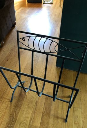 Nice metal magazine rack for Sale in Milwaukie, OR