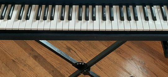 Yamha Bass Boost Keyboard for Sale in Sunnyside,  WA