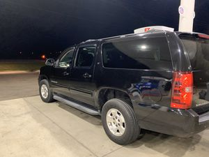 2010 Chevy suburban LT 4x4 2 Omer spotless for Sale in Marion, SC