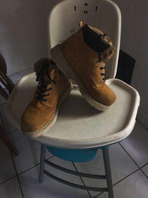 8 1/2 men work boots for Sale in Miami, FL