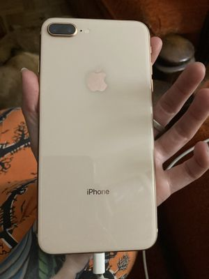 Rose gold iPhone 8 Plus for Sale in Ocala, FL