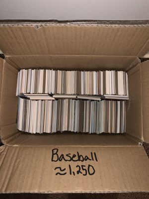 MAKE OFFERS!! Box of Vintage Baseball Cards (Lot of About 1,250 Cards Estimation) for Sale in Kent, OH