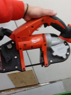 Milwaukee Cordless Bandsaw 18V for Sale in Seattle,  WA