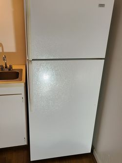 White Standard Refrigerator. Whirlpool for Sale in Portland,  OR