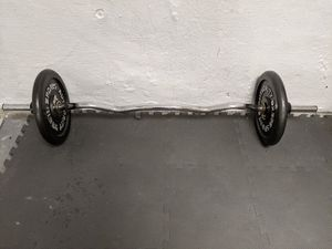 Curl bar with 60lb on it (biceps curl barbell) for Sale in Chicago, IL
