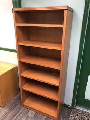 Wood bookshelf for Sale in Cutler Bay, FL