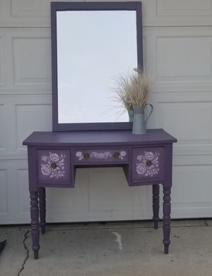 Vanity with mirror for Sale in Manteca, CA