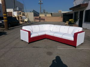 NEW 7X9FT WHITE LEATHER COMBO SECTIONAL COUCHES for Sale in Las Vegas, NV