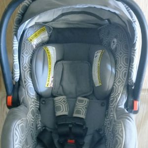Graco Infant Car Seat for Sale in Las Vegas, NV