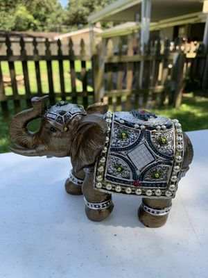 Beautiful elephant antique with gems for Sale in Lafayette, LA
