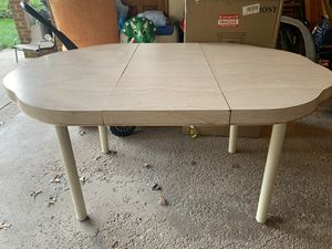 Kitchen table for Sale in Independence, OH