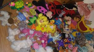 Huge lot of stuffed animals for Sale in Mount Vernon, WA