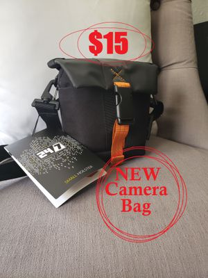 NEW DSLR Small Holster Camera Bag Case Organizer with Adjustable/ Removable Strap & Built-In Weather Cover for Sale in Ventura, CA