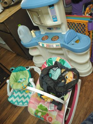 Baby holder and two chairs for Sale in Broken Arrow, OK
