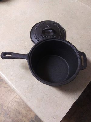 John Wayne case iron pot 5 1/2 ins wide and 3 1/2 ins deep brand new for Sale in Lake Stevens, WA