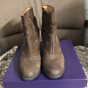 Indigo By Clark's Leather Brown Boots Size 8 for Sale in Walnut, CA