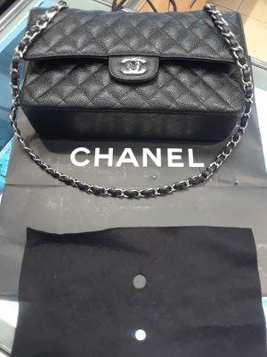 Chanel Medium Flap Bag in Caviar with Silvertone Hardware for Sale in Orlando, FL