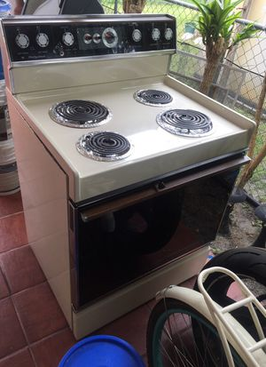 Hot point stove clean for Sale in Hialeah, FL