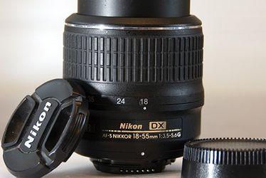 Nikon AF-S Nikkor 18-55mm 1:3.5-5.6G for Sale in Scottsdale,  AZ