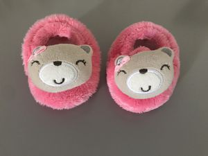 0-6 month baby girl slippers for Sale in Miami, FL