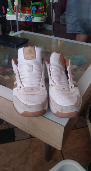 Adidas shoe size 10 for Sale in Mesa, AZ