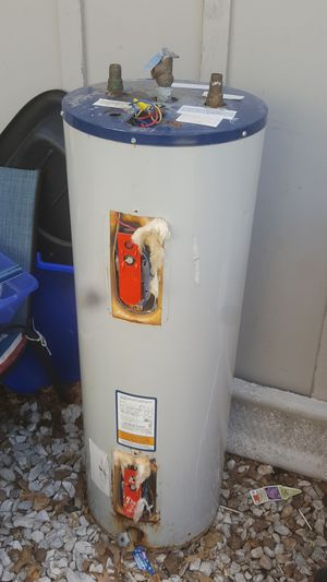 Free hot water heater for Sale in Blue Springs, MO