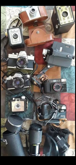 AWESOME COLLECTION OF VINTAGE CAMERAS CAMCORDER AND LENSES for Sale in DEVORE HGHTS, CA