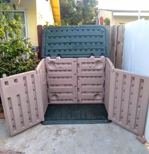 Shed Storage By Rubbermade for Sale in Whittier, CA